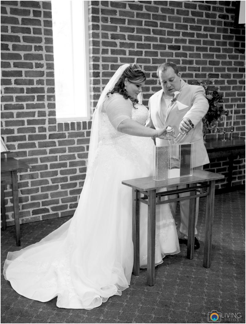 Kevin-Cassie-Pennsylvania-Littlestown-Chapel-Wedding-Living-Radiant-Photography_0044.jpg