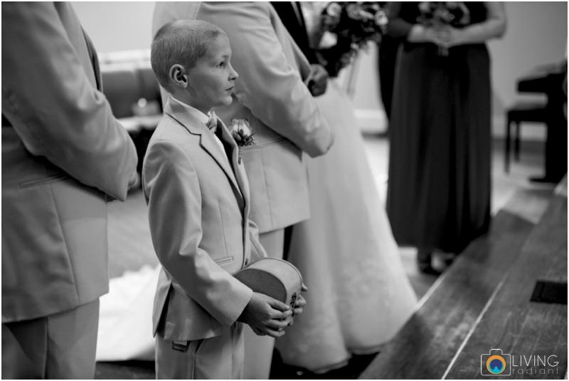 Kevin-Cassie-Pennsylvania-Littlestown-Chapel-Wedding-Living-Radiant-Photography_0047.jpg