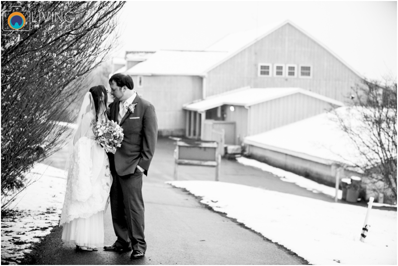 Stephanie-Nick-Shivery-Snowy-Indoor-Wedding-Geneva-Farm-Golf-Course-Wedding-Living-Radiant-Photography-Maggie-Patrick-Nolan_0042.jpg