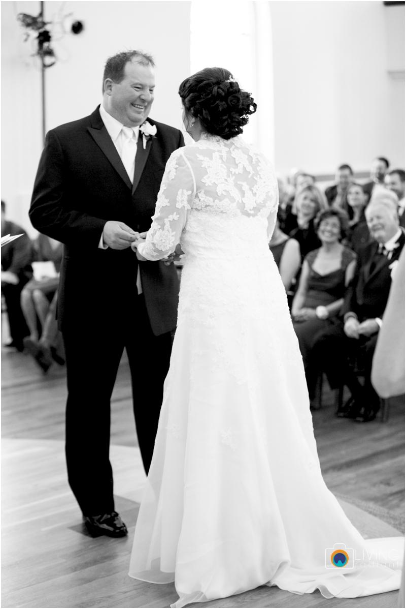 jason-liz-gill-wedding-tabrizis-downtown-baltimore-inner-harbor-living-radiant-photography-weddings-federal-hill-canton-square_0022.jpg