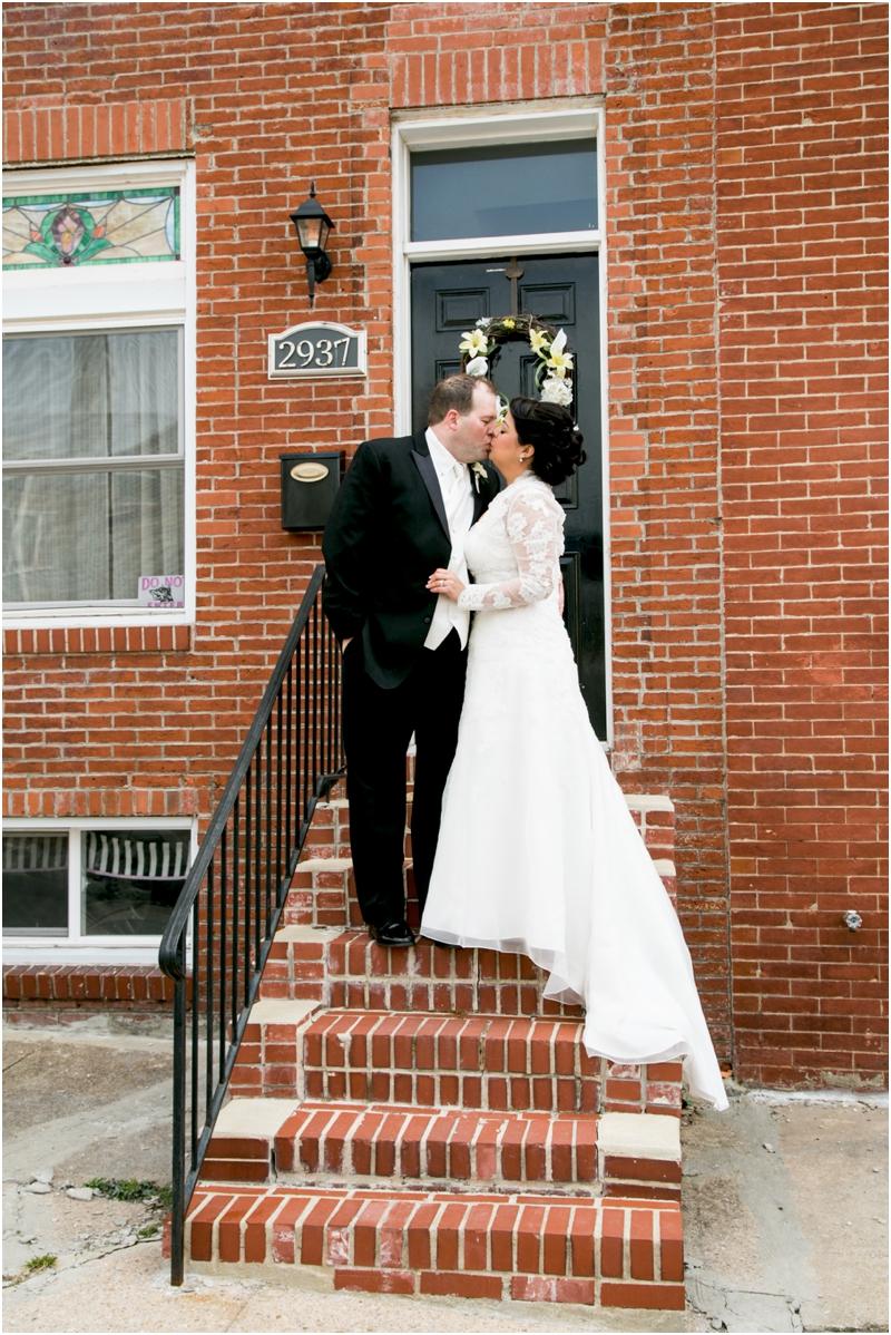 jason-liz-gill-wedding-tabrizis-downtown-baltimore-inner-harbor-living-radiant-photography-weddings-federal-hill-canton-square_0044.jpg