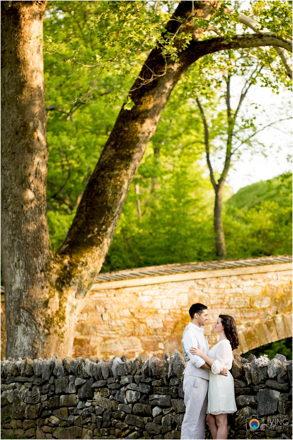 heather-carlos-outdoor-Antietam-National-Battlefield-engagement-session-living-radiant-phootgraphy-best-maryland-wedding-photographer_0014.jpg