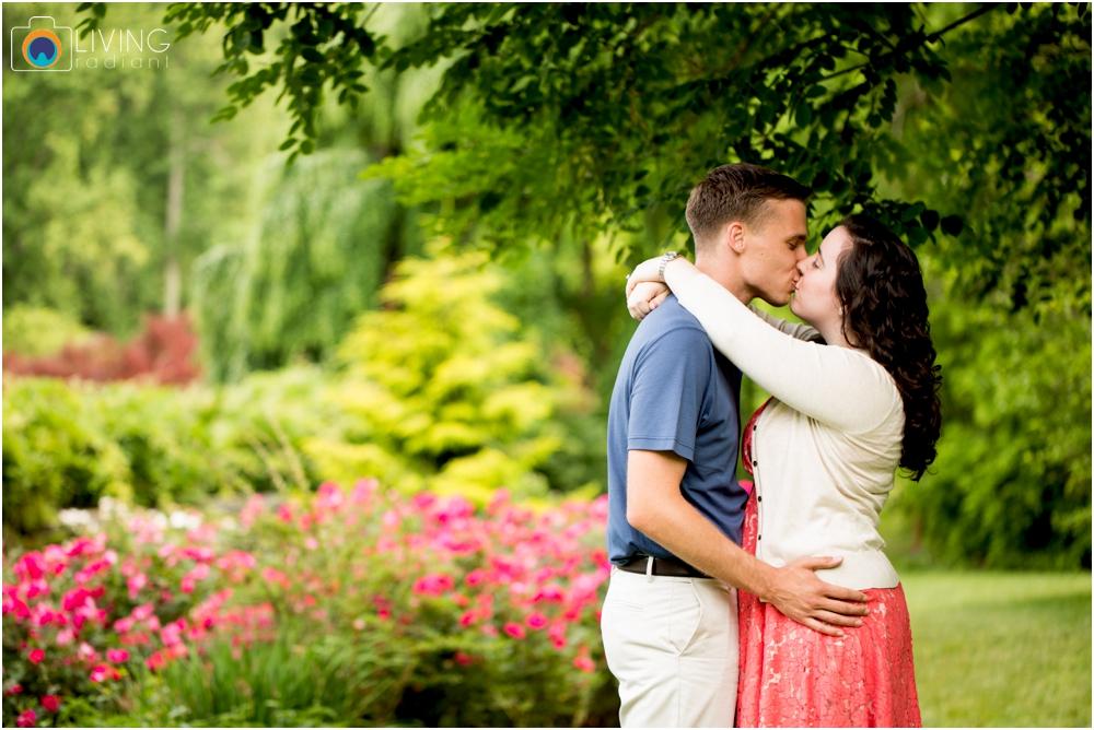 melissa-chris-brookside-gardens-engagement-session-outdoor-gardens-living-radiant-photography-maggie-patrick-nolan_0002.jpg