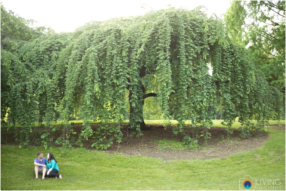 melissa-chris-brookside-gardens-engagement-session-outdoor-gardens-living-radiant-photography-maggie-patrick-nolan_0027.jpg