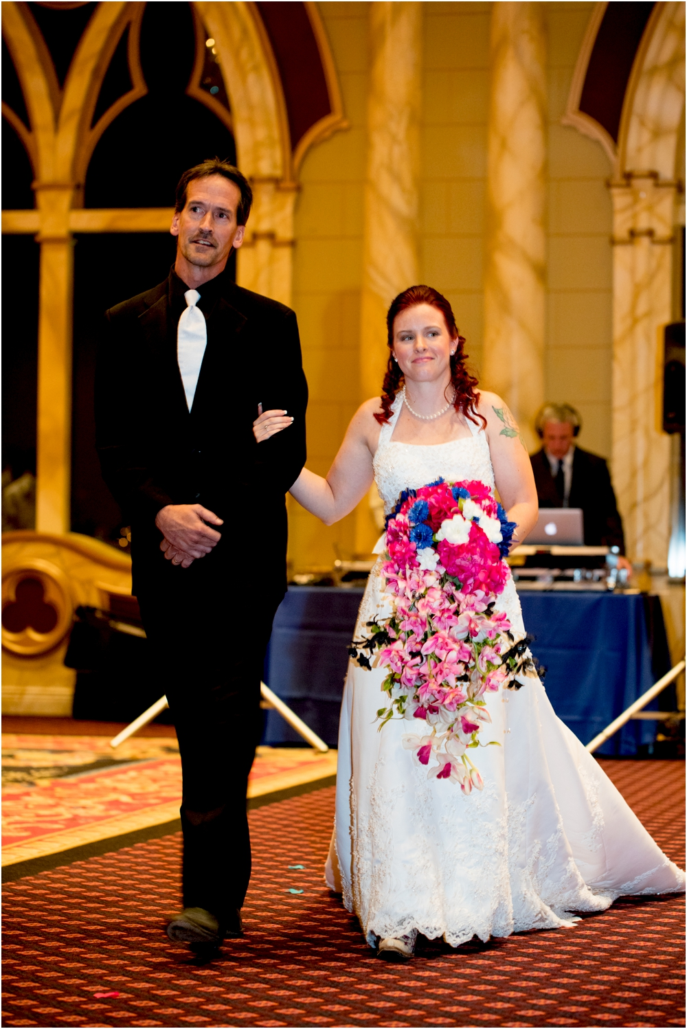 crystal mike martins camelot night wedding living radiant photography photos_0032.jpg
