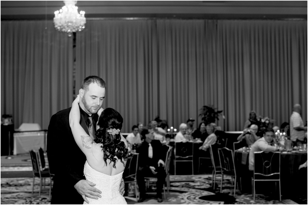 crystal mike martins camelot night wedding living radiant photography photos_0083.jpg