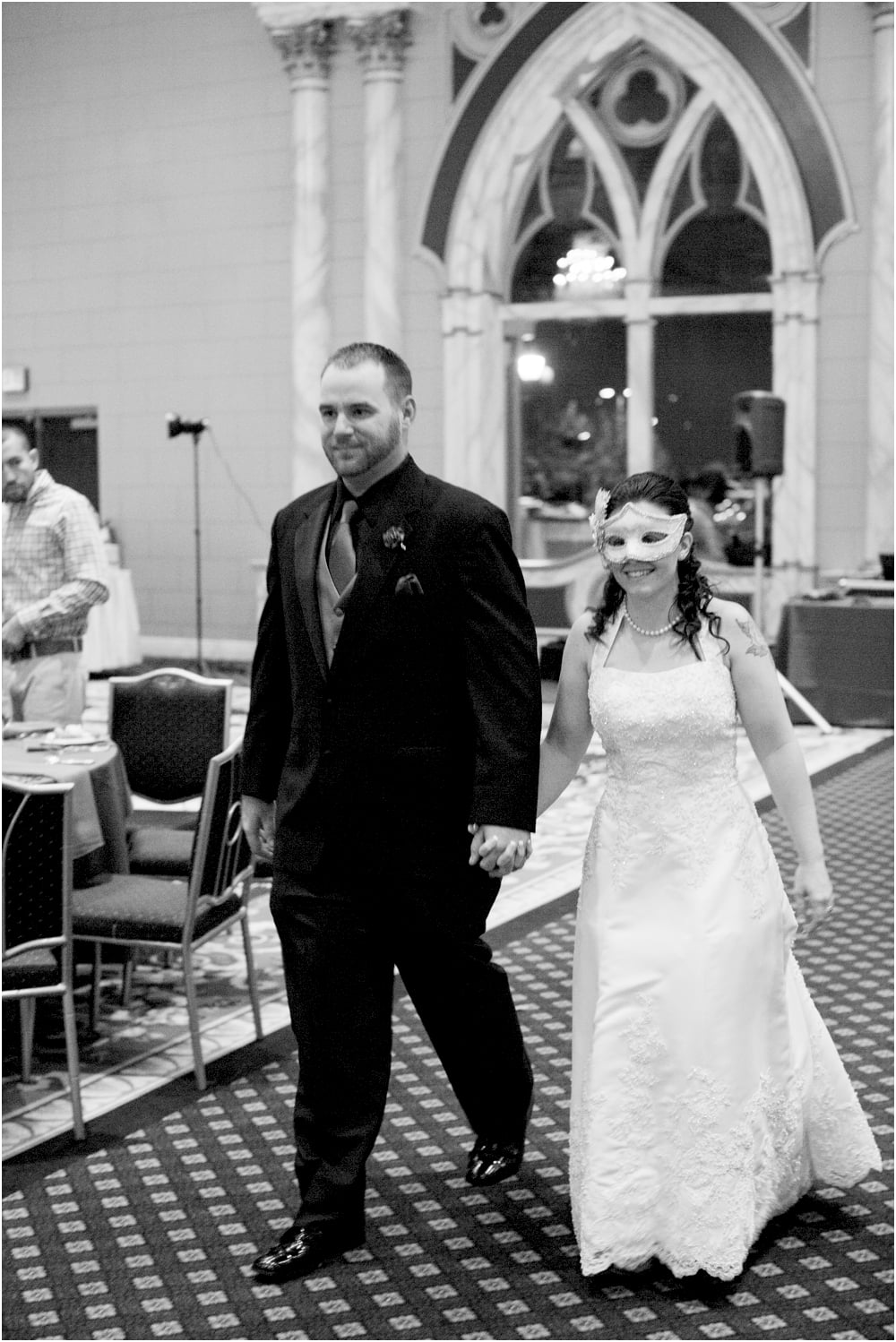 crystal mike martins camelot night wedding living radiant photography photos_0040b.jpg