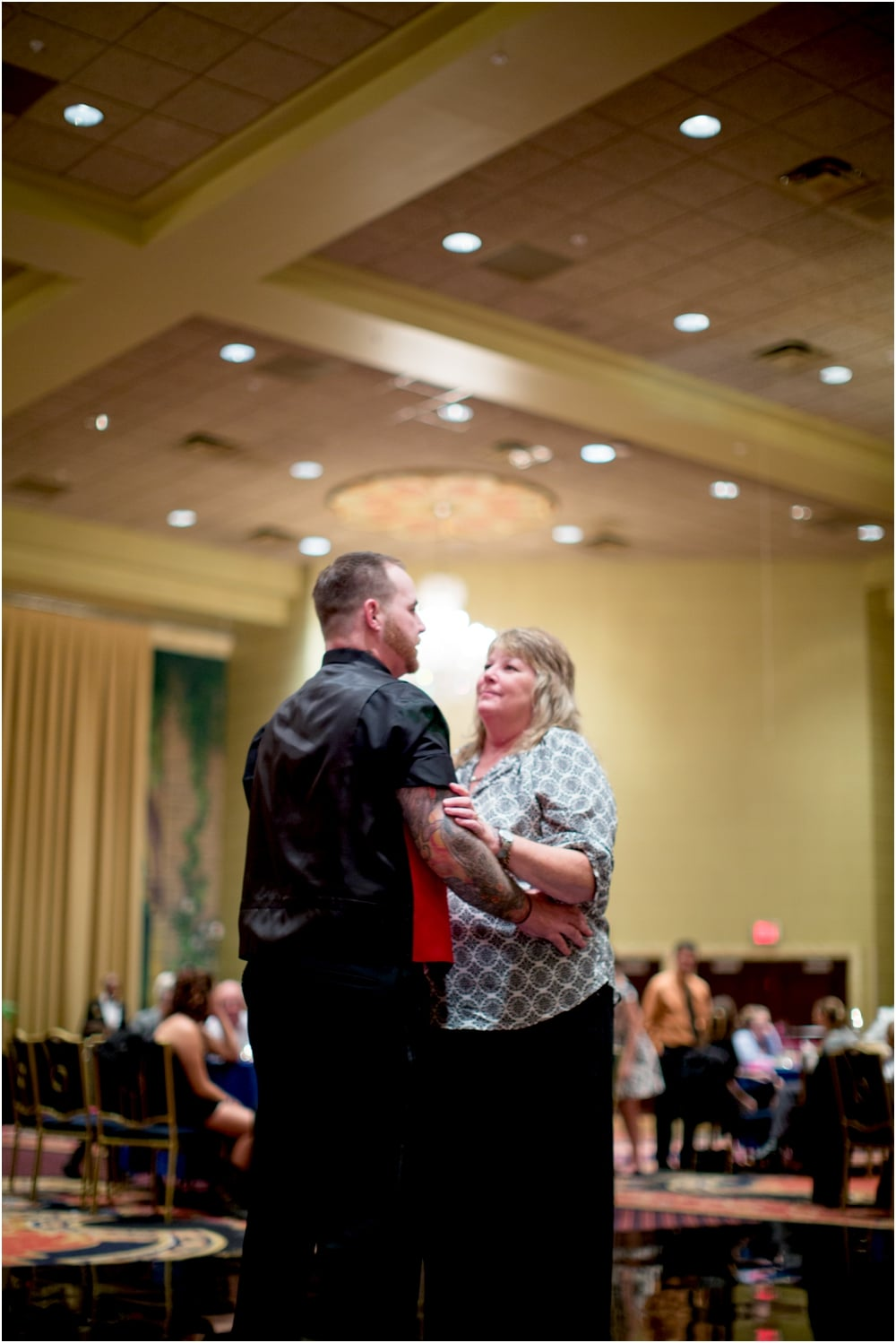 crystal mike martins camelot night wedding living radiant photography photos_0069.jpg