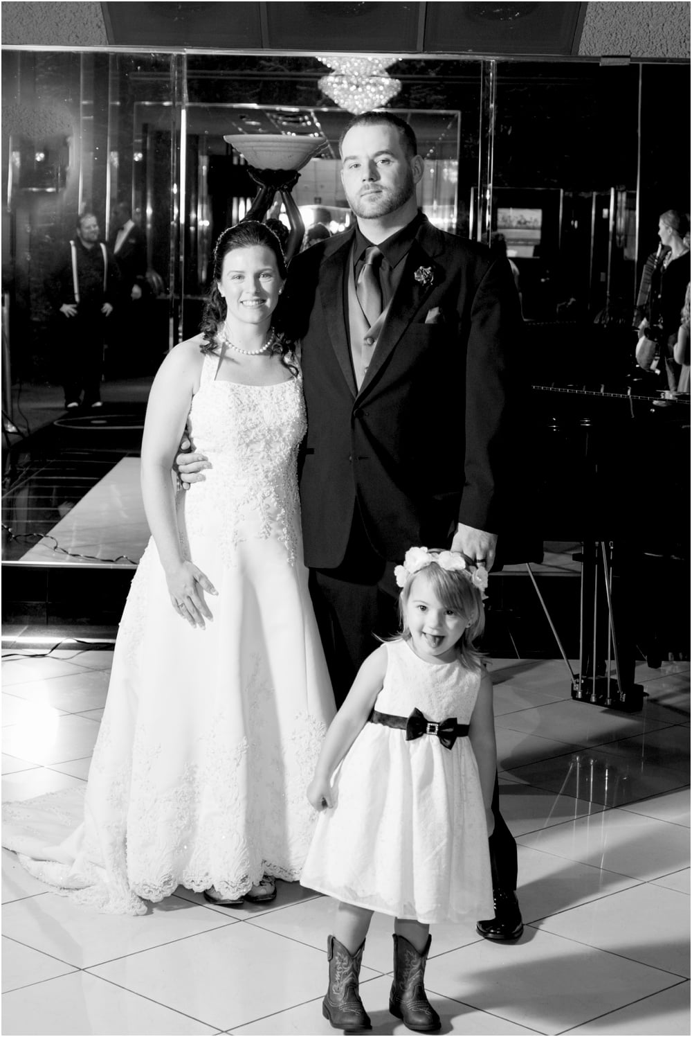 crystal mike martins camelot night wedding living radiant photography photos_0087.jpg