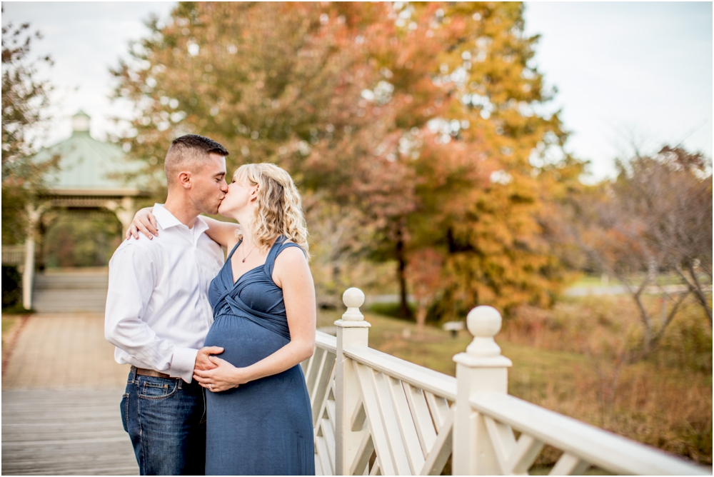 laura+luke+annapolis+quiet+waters+anniversary+maternity+session+living+radiant+photography+photos+stomped_0007.jpg