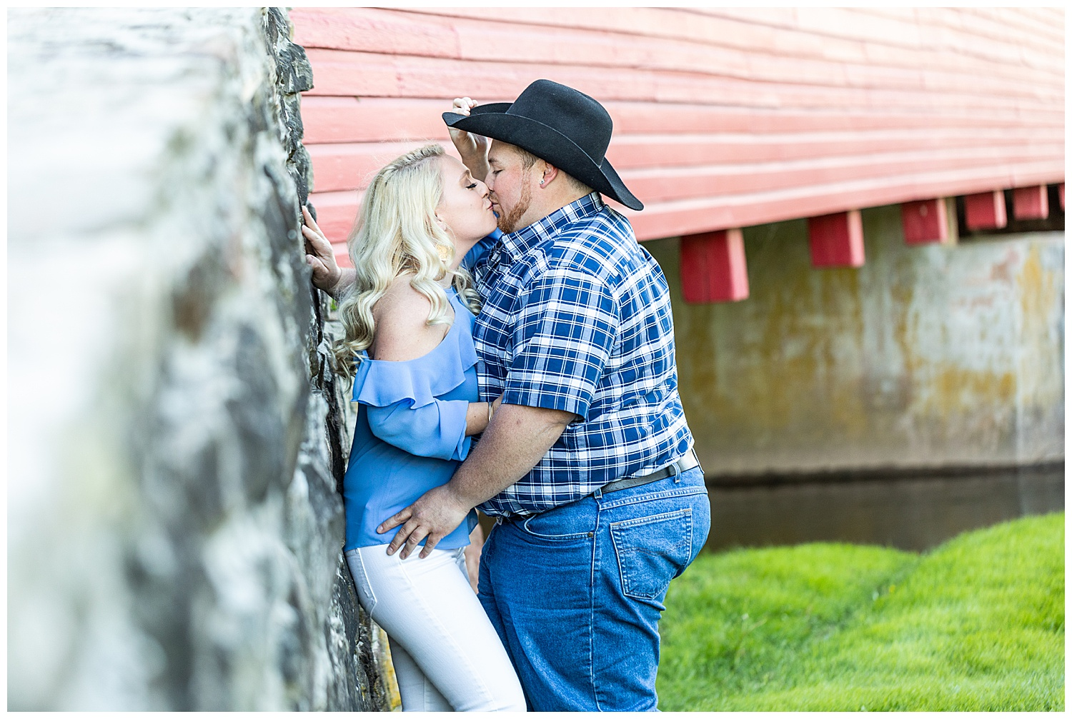 Kaitlin Justin Frederick Country Rainy Engagement Session Living Radiant Photography_0003.jpg