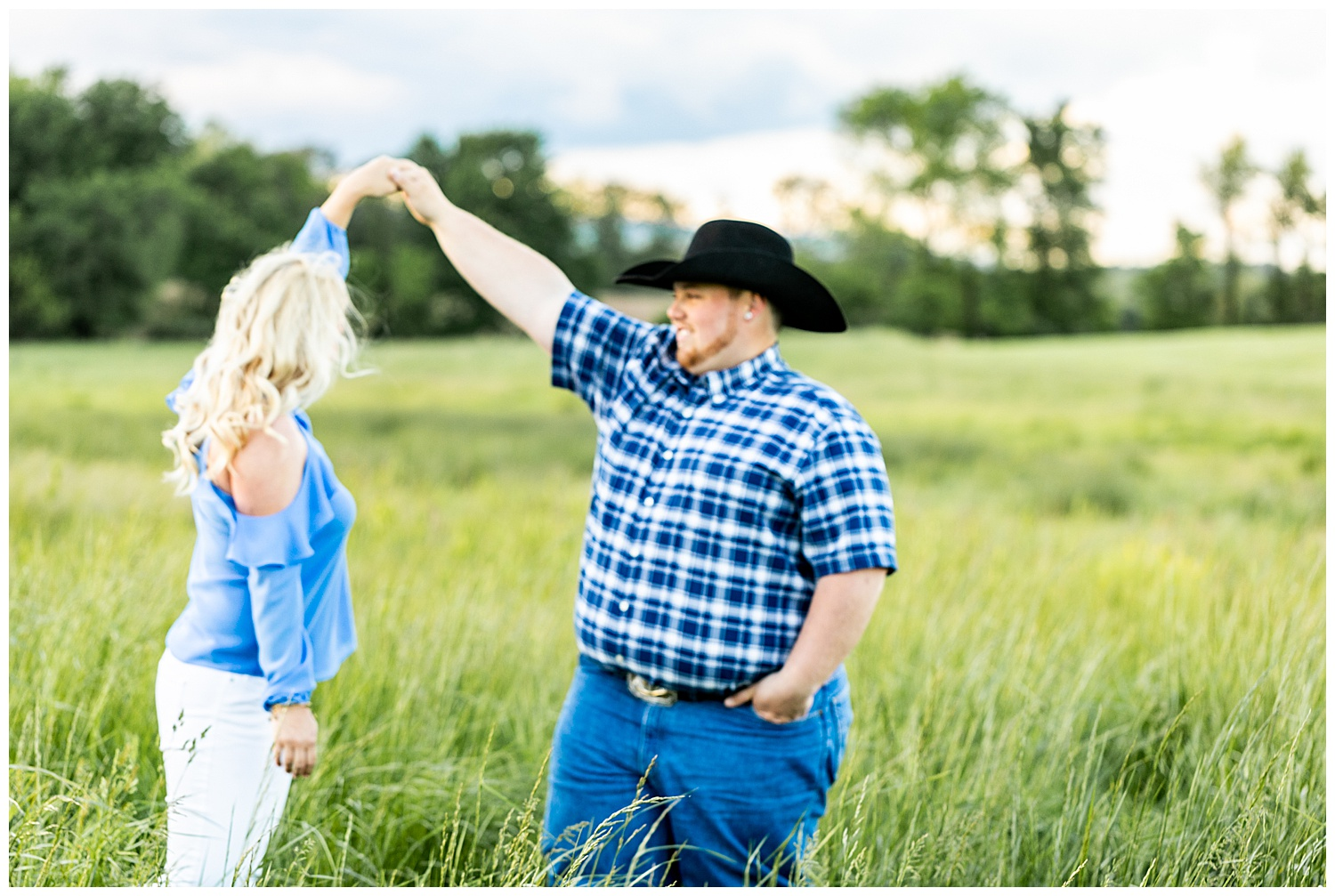 Kaitlin Justin Frederick Country Rainy Engagement Session Living Radiant Photography_0015.jpg