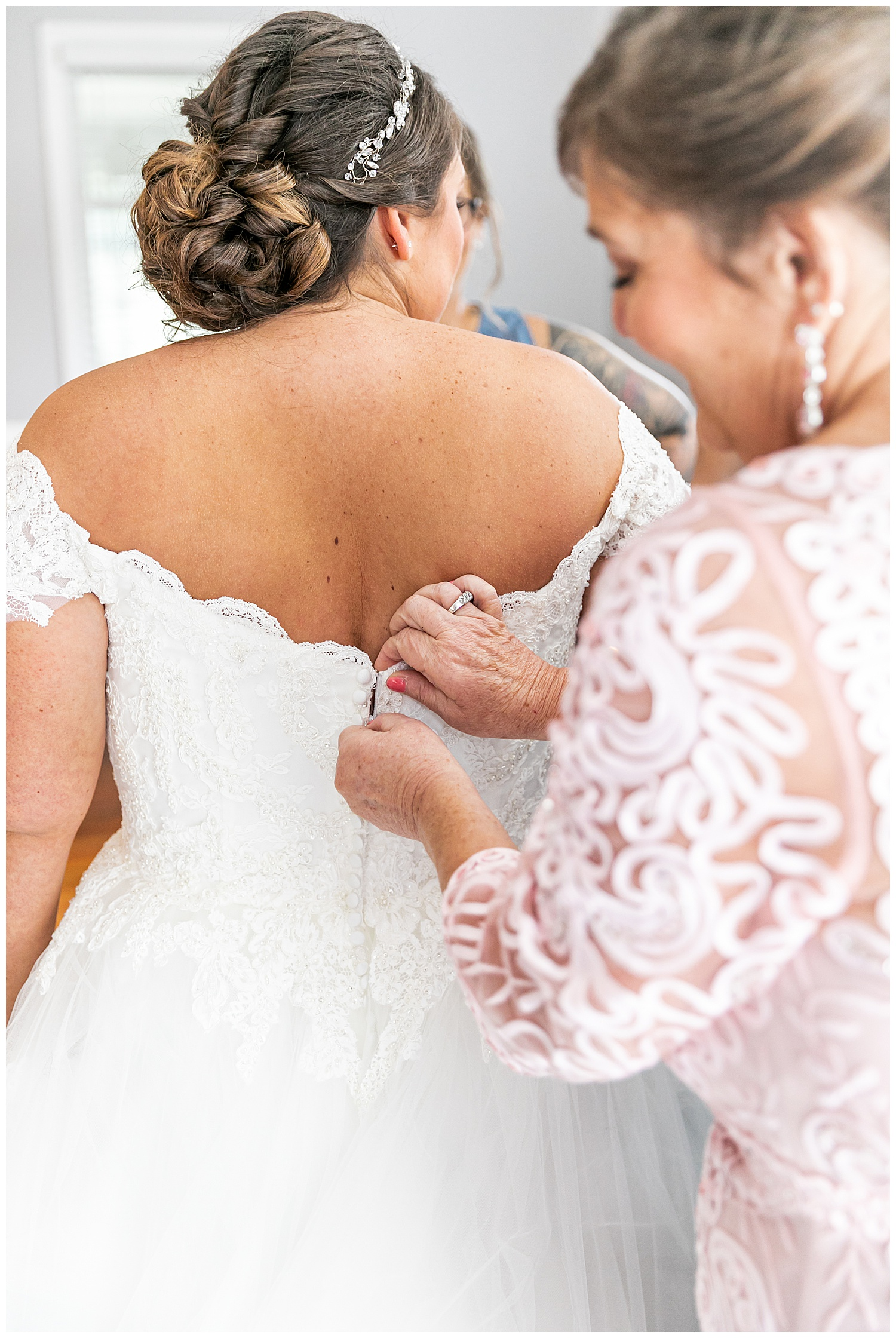 Melissa Jon Eagles Nest Country Club Wedding Living Radiant Photography photos_0013.jpg