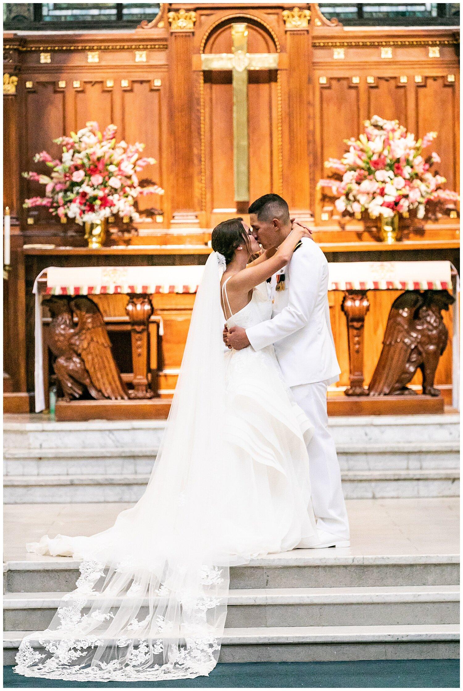 Korinna Dustin Naval Academy Wedding Living Radiant Photography_0079.jpg