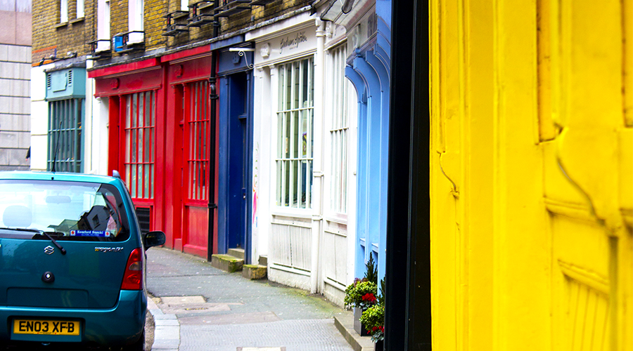 PHOTOGRAPHY :: London :: Bold Entrance