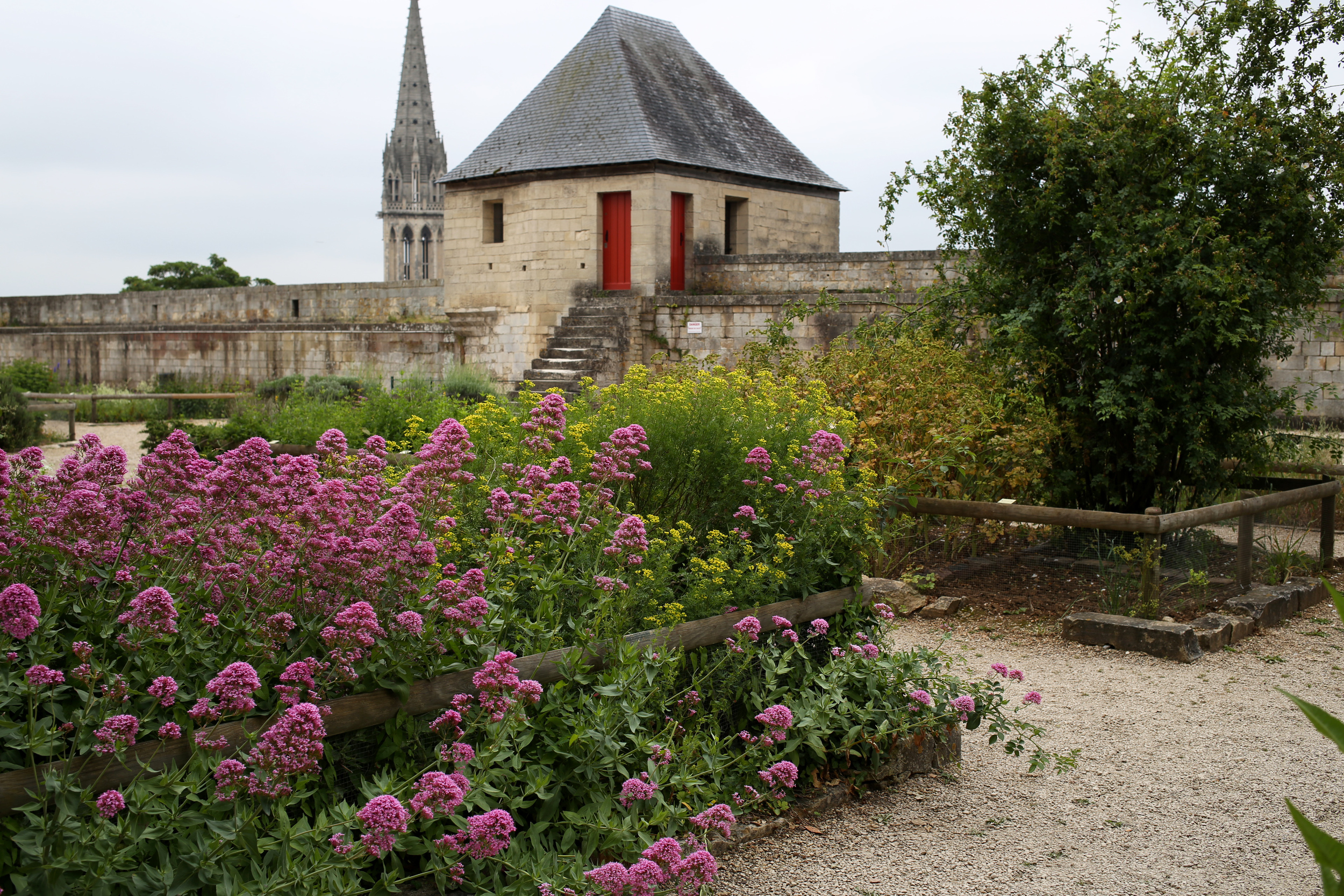 Travel_Caen_01.jpg
