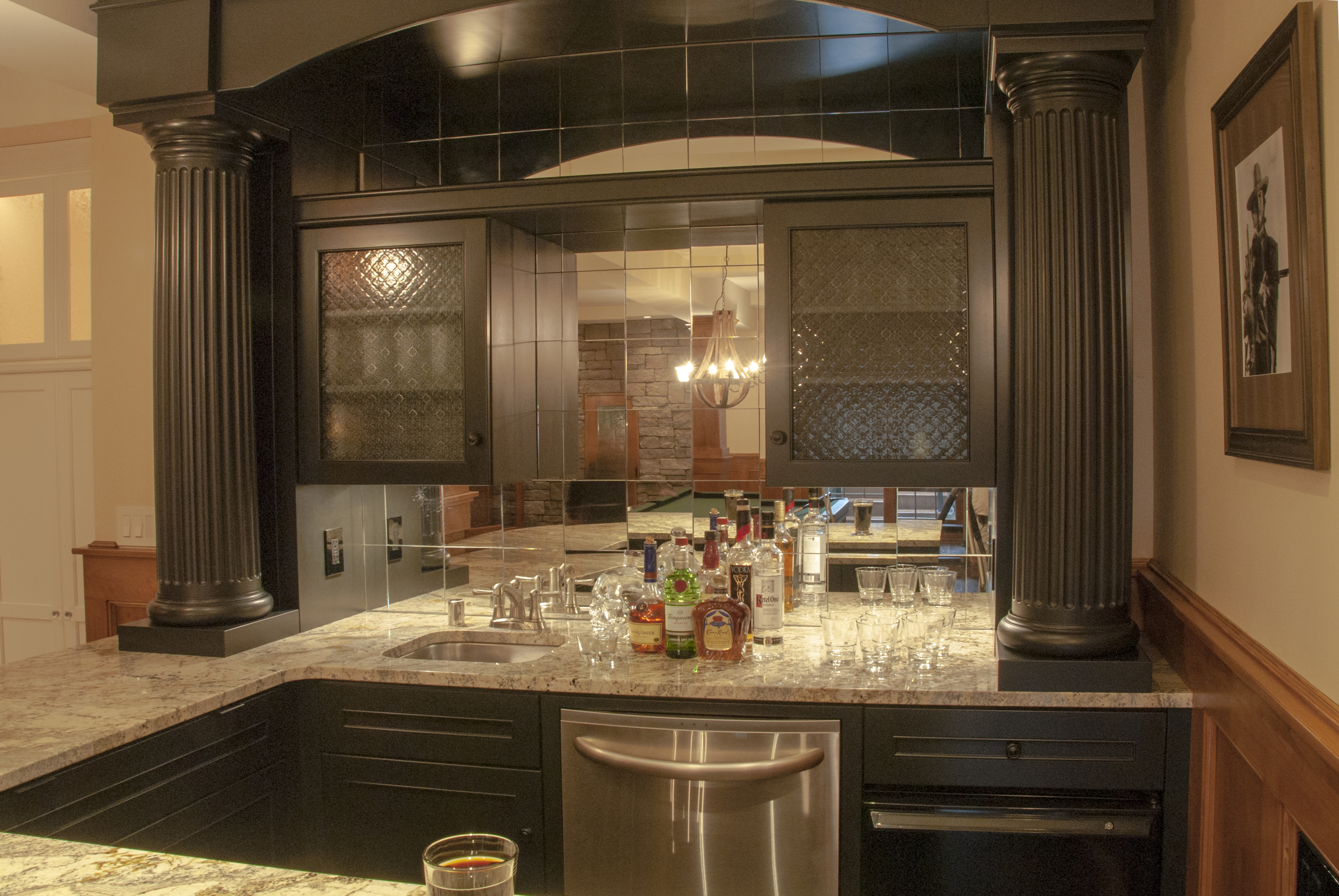 custom bar featuring columns
