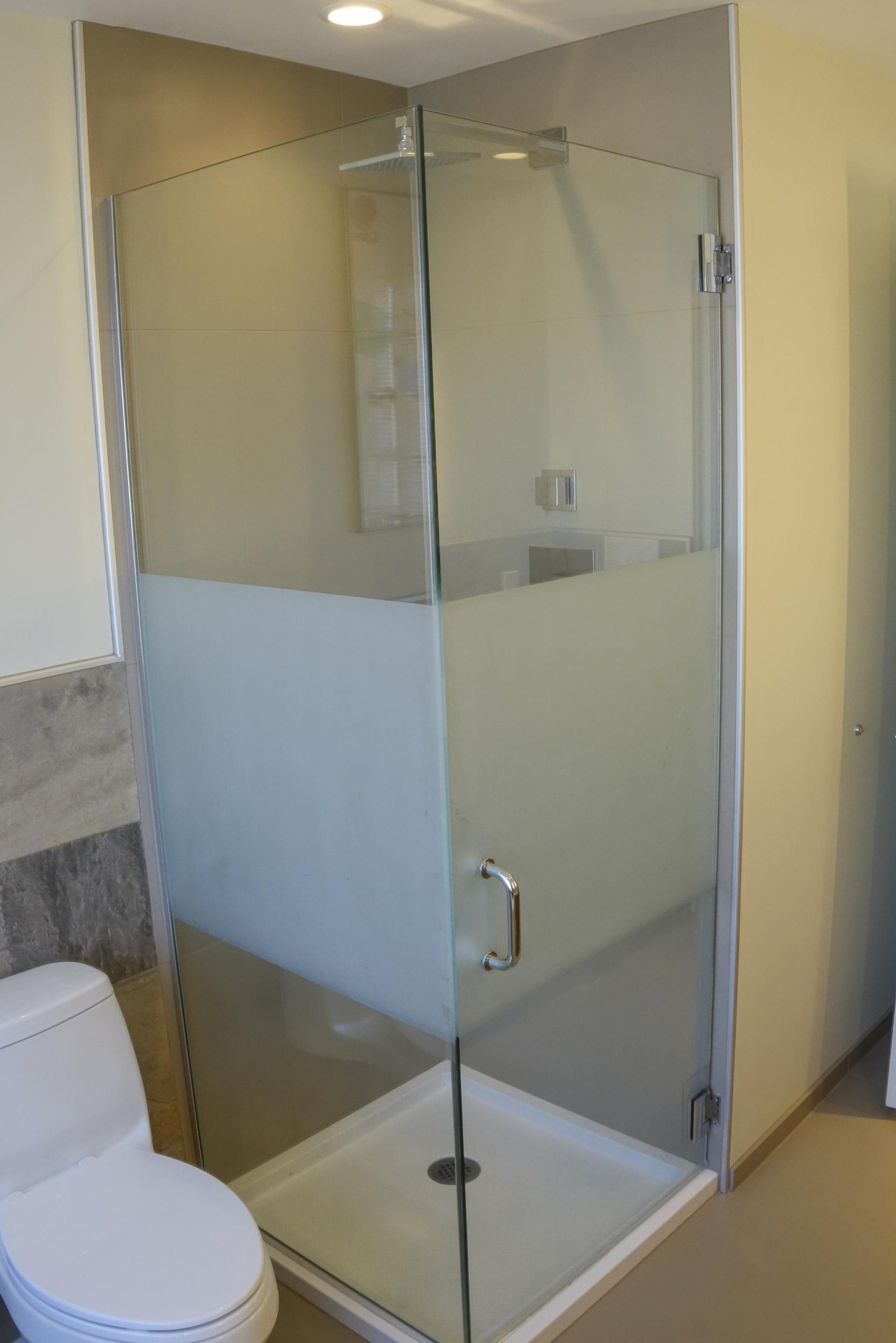 Hall Bath-8.JPG