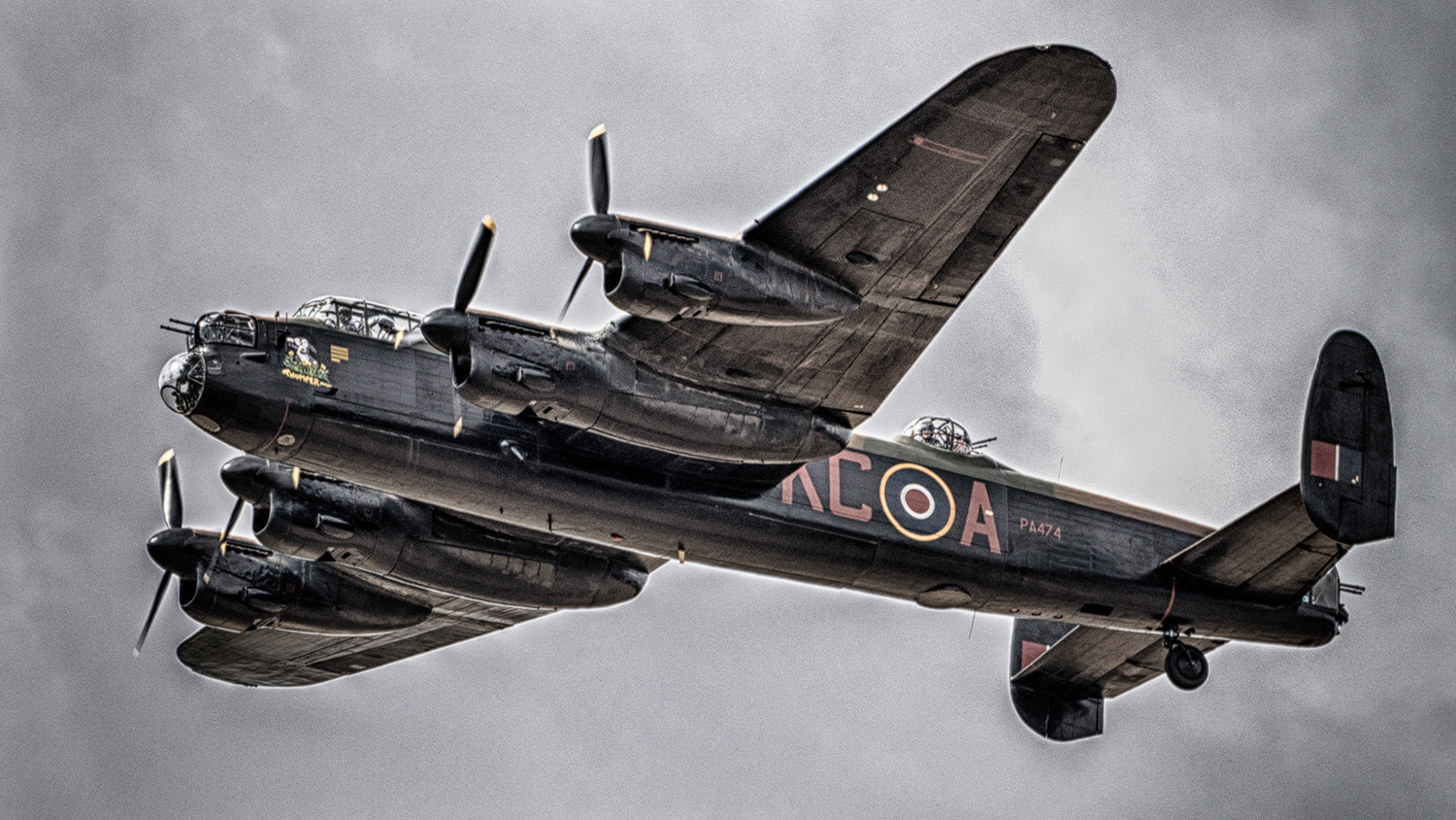 Managing the logistics for an airshow is very tricky business and made even harder when some of the performers fly in from another airfield to display and then fly away - the timing has to be perfect! Here a pair of Lancaster's flew over the show immediately following a memorial prayer service to honor those who have died in service to their country.