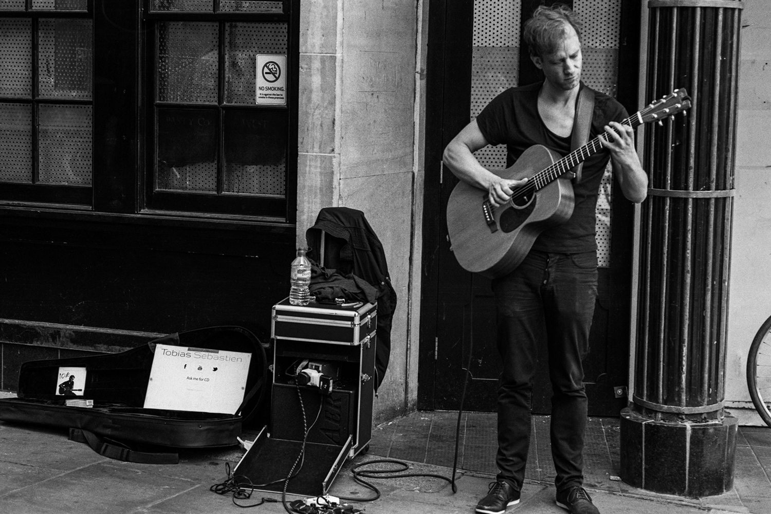 A lot of the street musicians in Cambridge are not terribly good, but there are a few worth stopping and listening to as they perform. Tobias was very good!