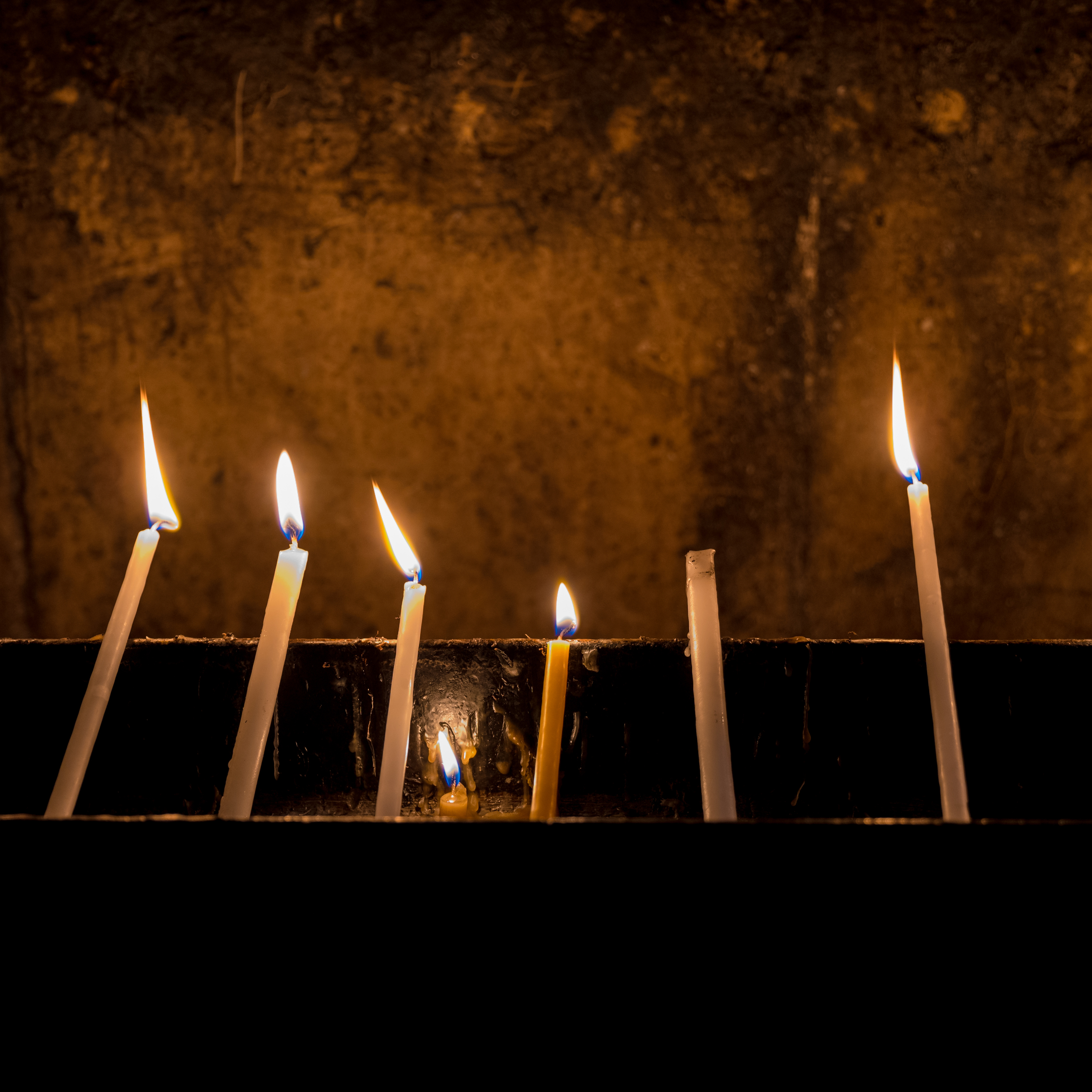 The Leica SL has wonderful low-light performance. These candles were at an alter outside a tomb where Christians believe Jesus is buried in Jerusalem, Israel. Shot with the Leica 24-90mm Vario Elmarit lens.