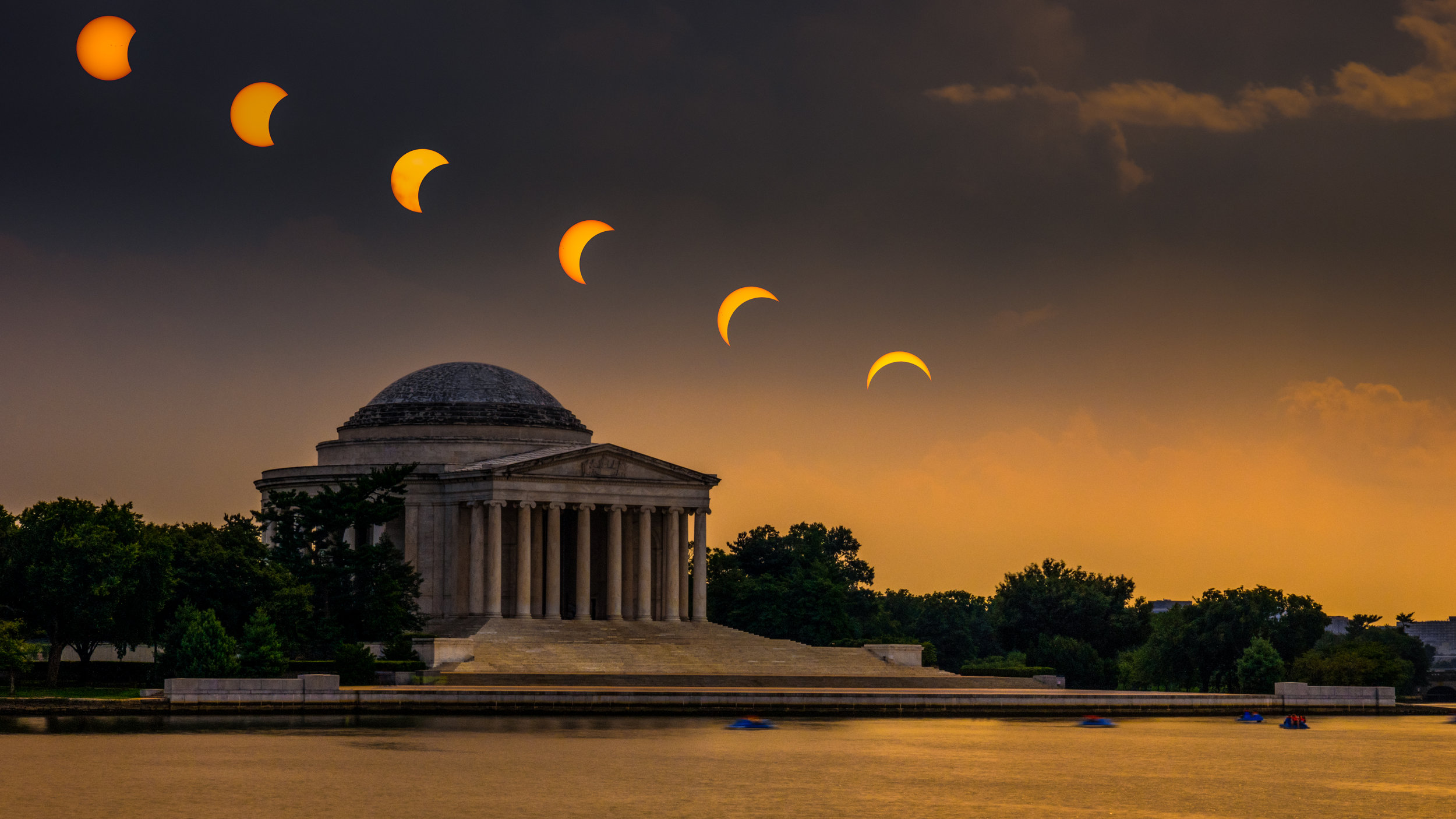 The final composite photograph of the August 2017 solar eclipse over the Jefferson Memorial.
