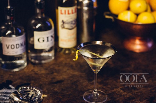 THE VESPER MARTINI: 1½ oz OOLA Gin ¾ oz OOLA vodka ½ oz Lillet blanc Shake ingredients with ice, strain into a chilled glass and garnish with a lemon twist.