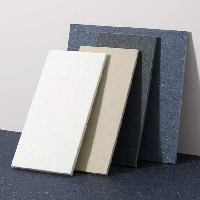 You can get the acoustic textile felt Really in four unique colours. Cotton white, Wool Natural, Wool Slate, and last but not least Cotton Blue. And guess what? Cotton Blue is made of recycled denim. Got to love that!⠀⠀⠀⠀⠀⠀⠀⠀⠀ ⠀⠀⠀⠀⠀⠀⠀⠀⠀ #interiorgoals #design #acoustics #smartspace #norwegiandesign #interiorstyle #scandanaviandesign #ålesund #norskdesign #norskinteriør #looksgood #soundsgood #feelsgood #artandtechnology #soundproofing #lyddemping #norskehjem #interiorstyle #officedesign #workspace #sustainabledesign #felt #sustainaiblebusines #architecture  #wool #upcycling #kvadrattextiles