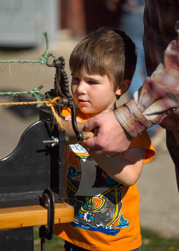 Rope-Making-with-Child_600.jpg
