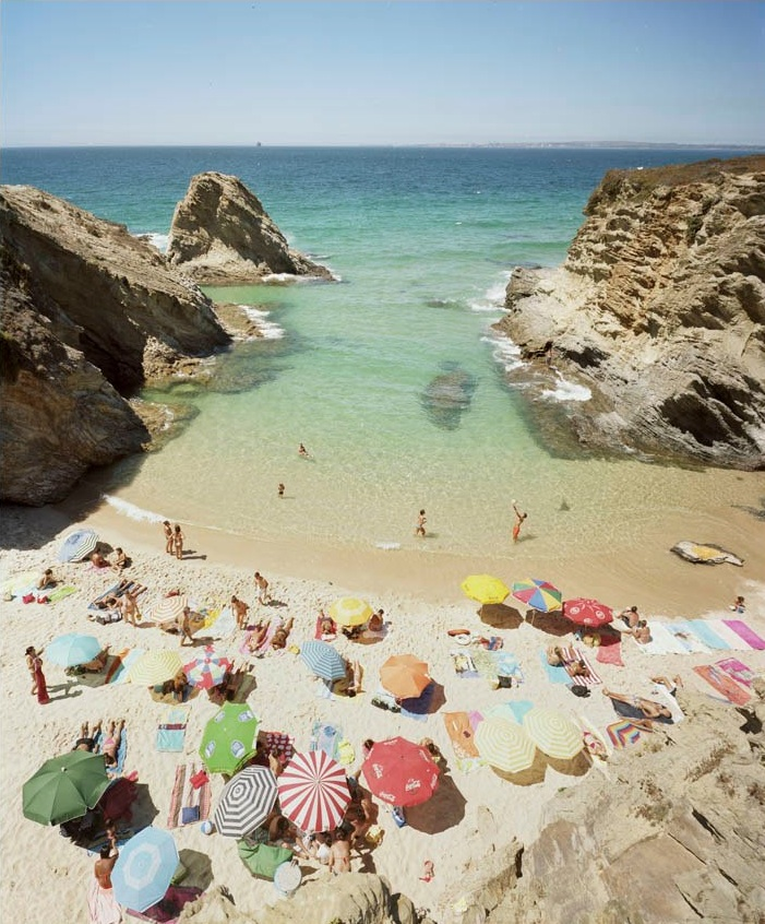 Praia Piquinia 25/08/10 14h50  by Christian Chaize | Digital C-Print