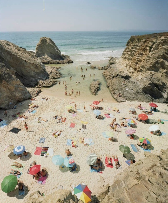 Praia Piquinia 15/08/10 15h45  by Christian Chaize | Digital C-Print