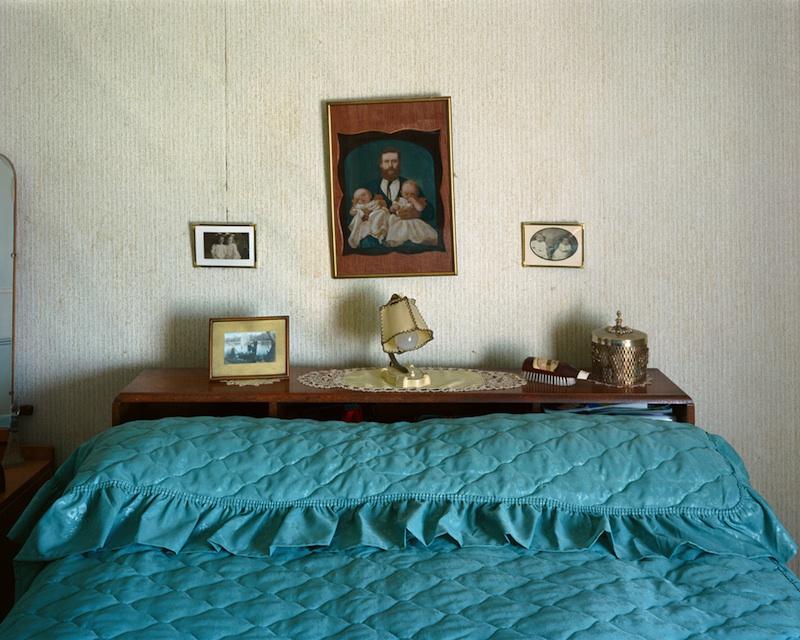 Glad Lapwood's Interior, Tuakau, 2007 by Derek Henderson | Digital C-Print