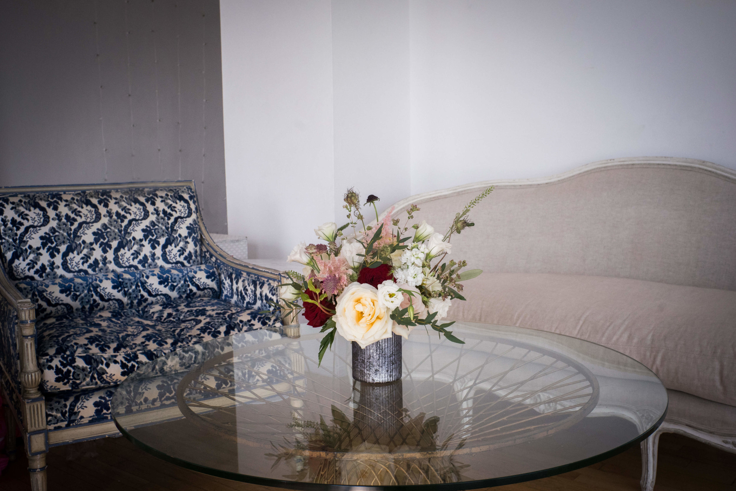 couches-flowers.jpg