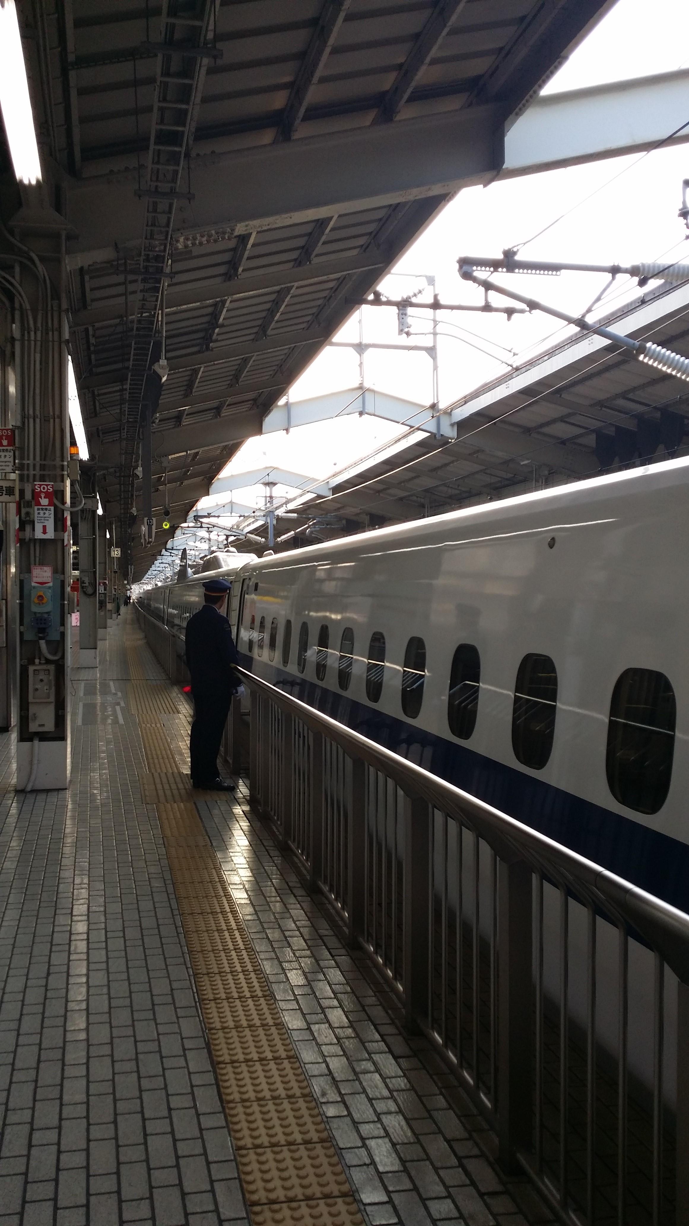 Hurtigtoget på Tokyo Station. Foto: Marit Knudsen