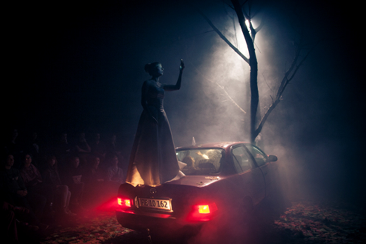 """Brudevals"", Teater Momentum, Odense. Foto:     Daniel Buchwald"