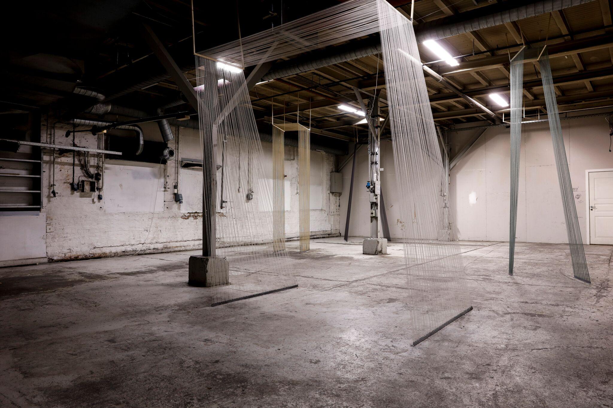 De usminka lokalene til Studio Enogførti på Bjølsen. Installasjon: Mikkel Wennesland, Foto: Joachim Karlsen
