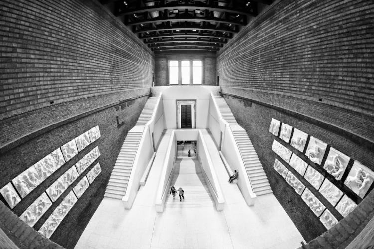 Trappen i Neues Museum vekker et ubehag hos skribenten. Foto:pixabay,3093594