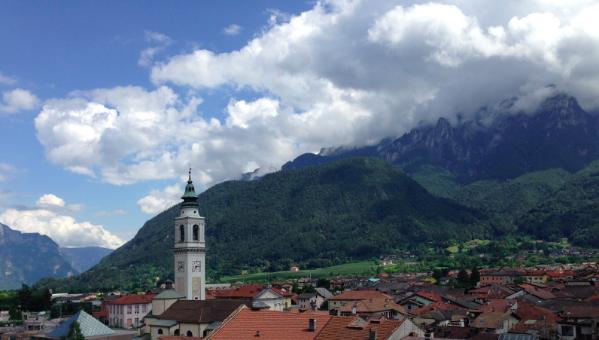 Borgo Valsuganaein, fredeleg alpelandsby 6 kilometer unna dalen der De Gàsperi (meir om han seinare) tilbragte sine sine siste år. (Foto: Nora G. Bækkelund)