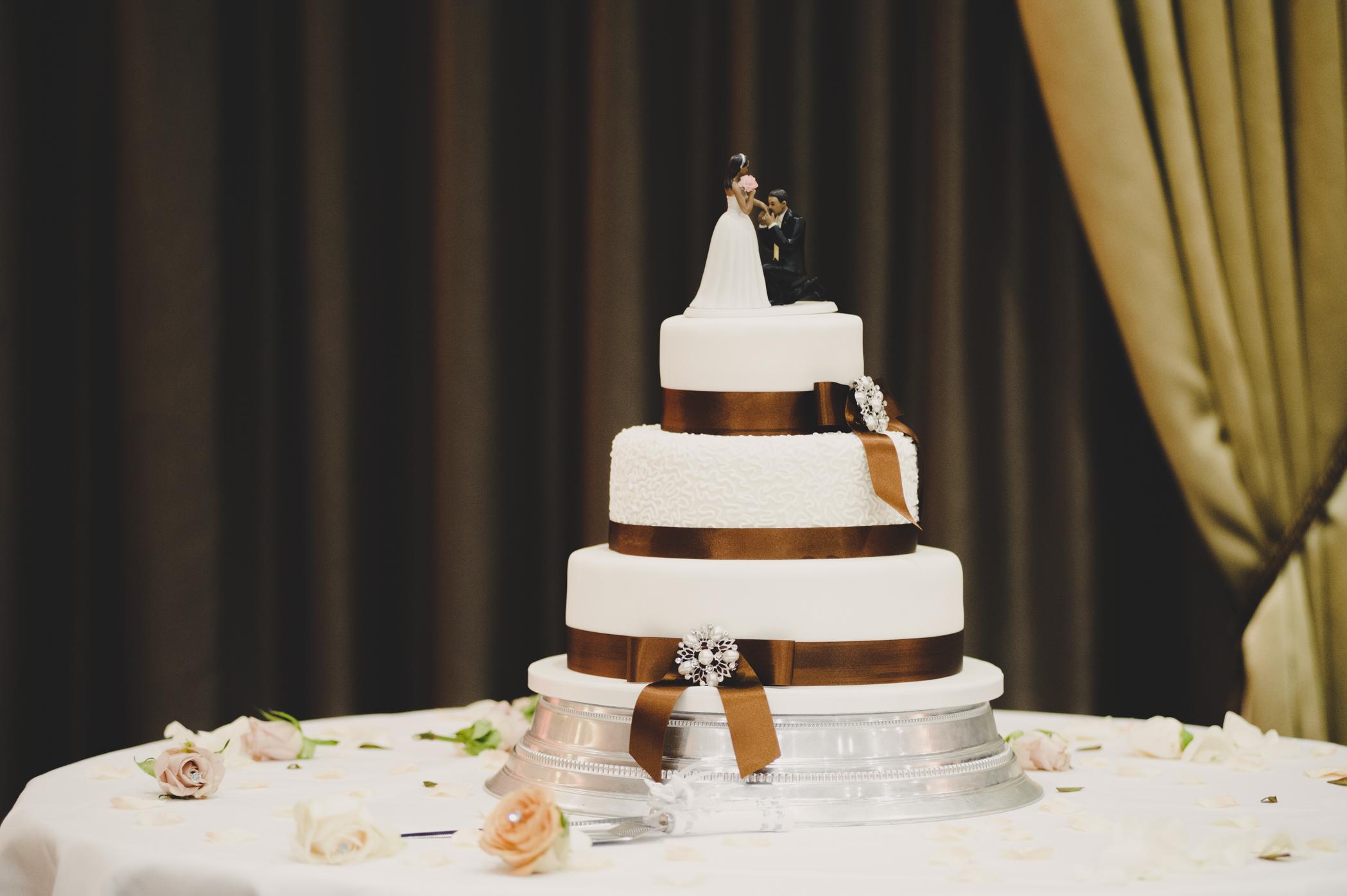 CAKE CUT LR-31.jpg
