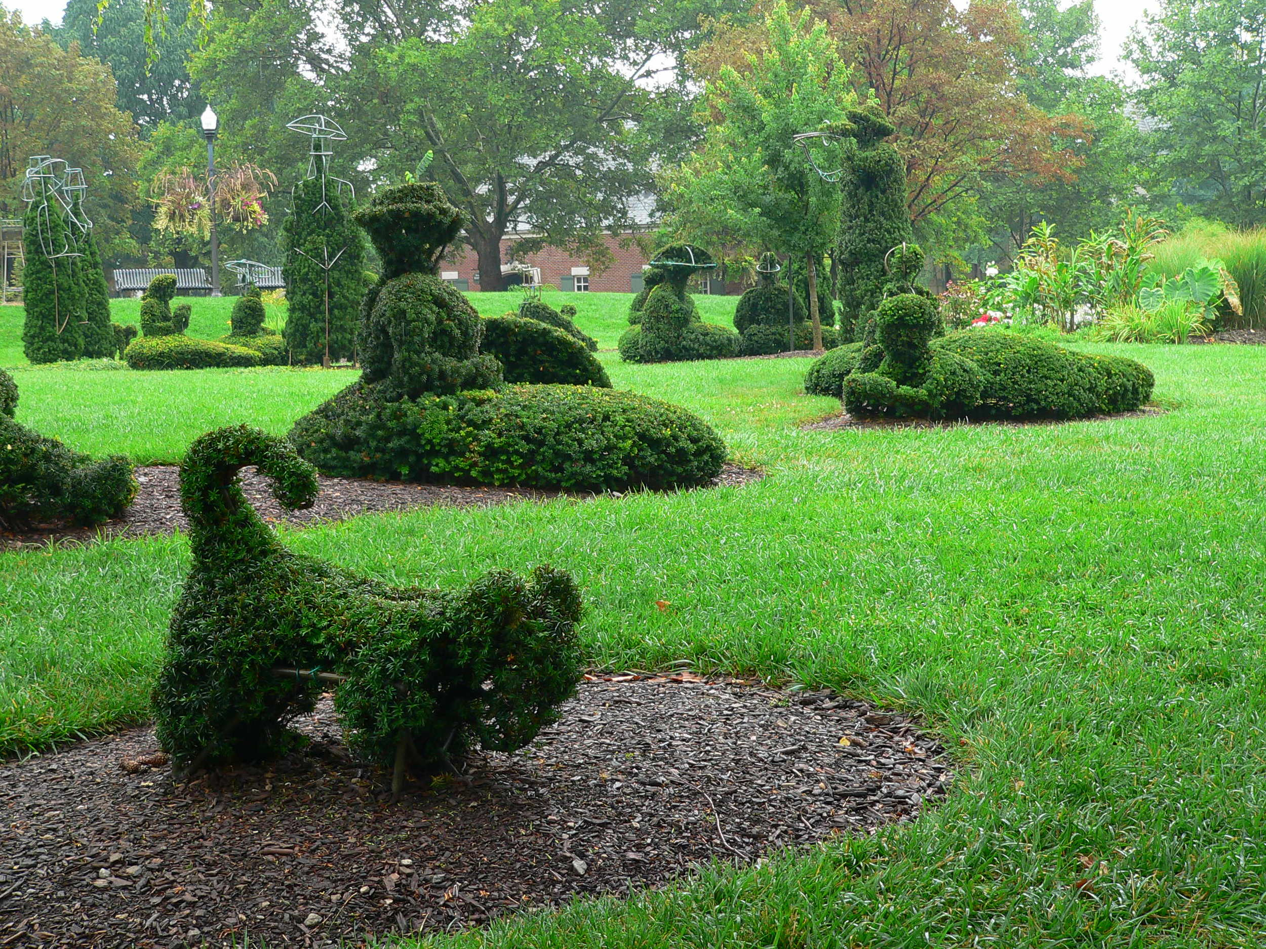 Inside the landscape of a landscape / photo courtesy of the Friends of the Topiary Park / photo by Michael Mackie