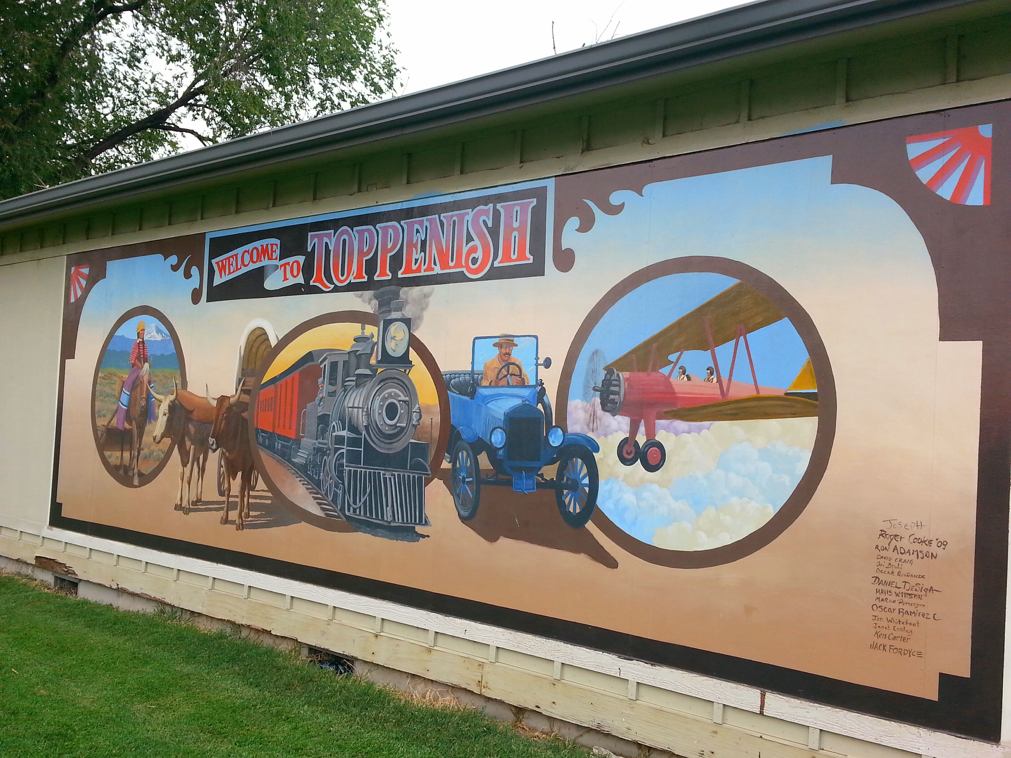 The welcome mural of Toppenish / photo by Michael Mackie
