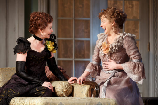 Cynthia Nixon as Regina, and Laura Linney as Birdie, in  The Little Foxes . Photo by Joan Marcus.