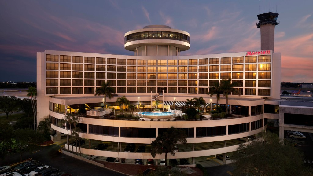 9 Best Airport Hotels in the United States and Canada