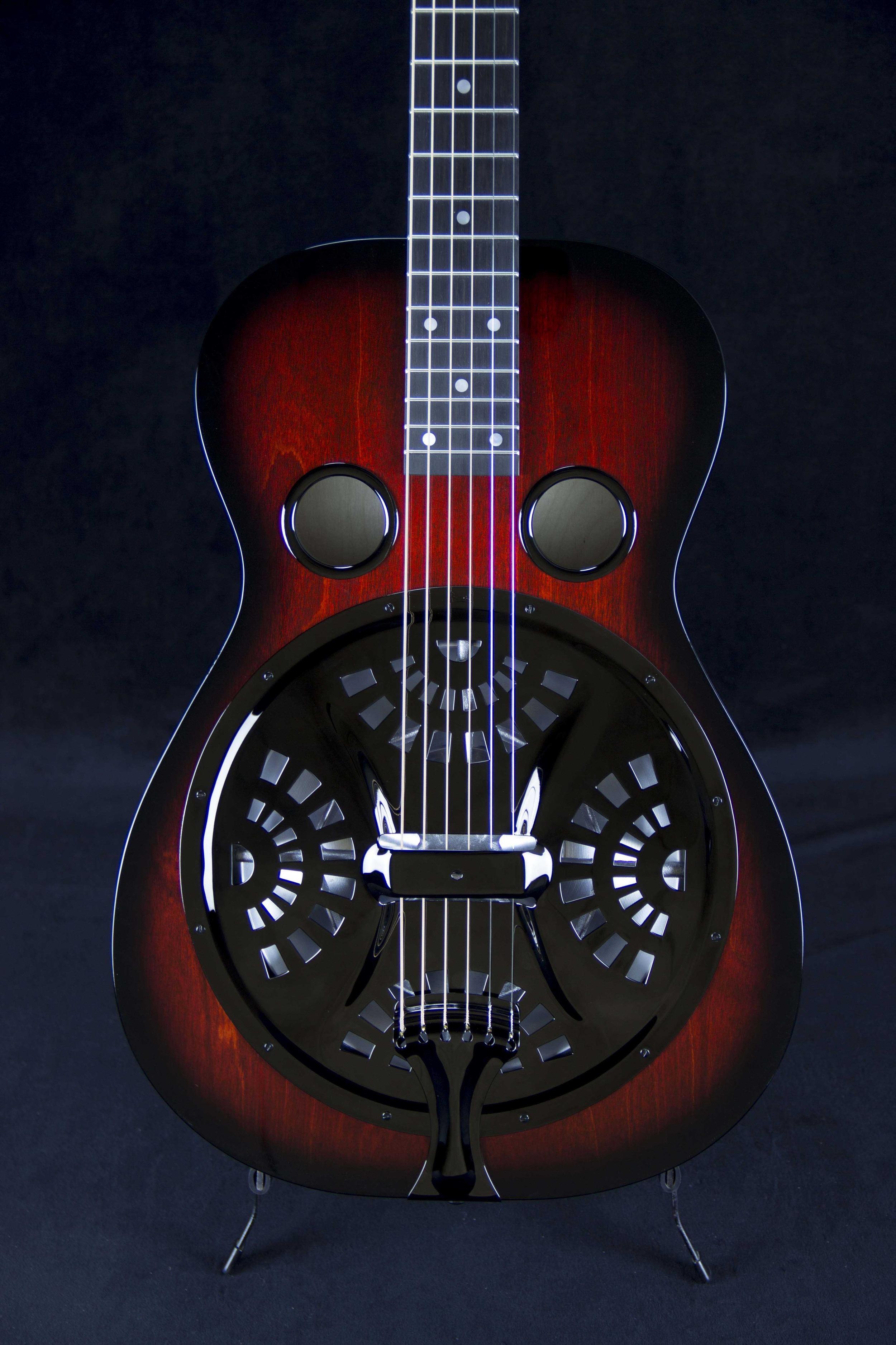 Vintage R Model-Birch-Red Burst