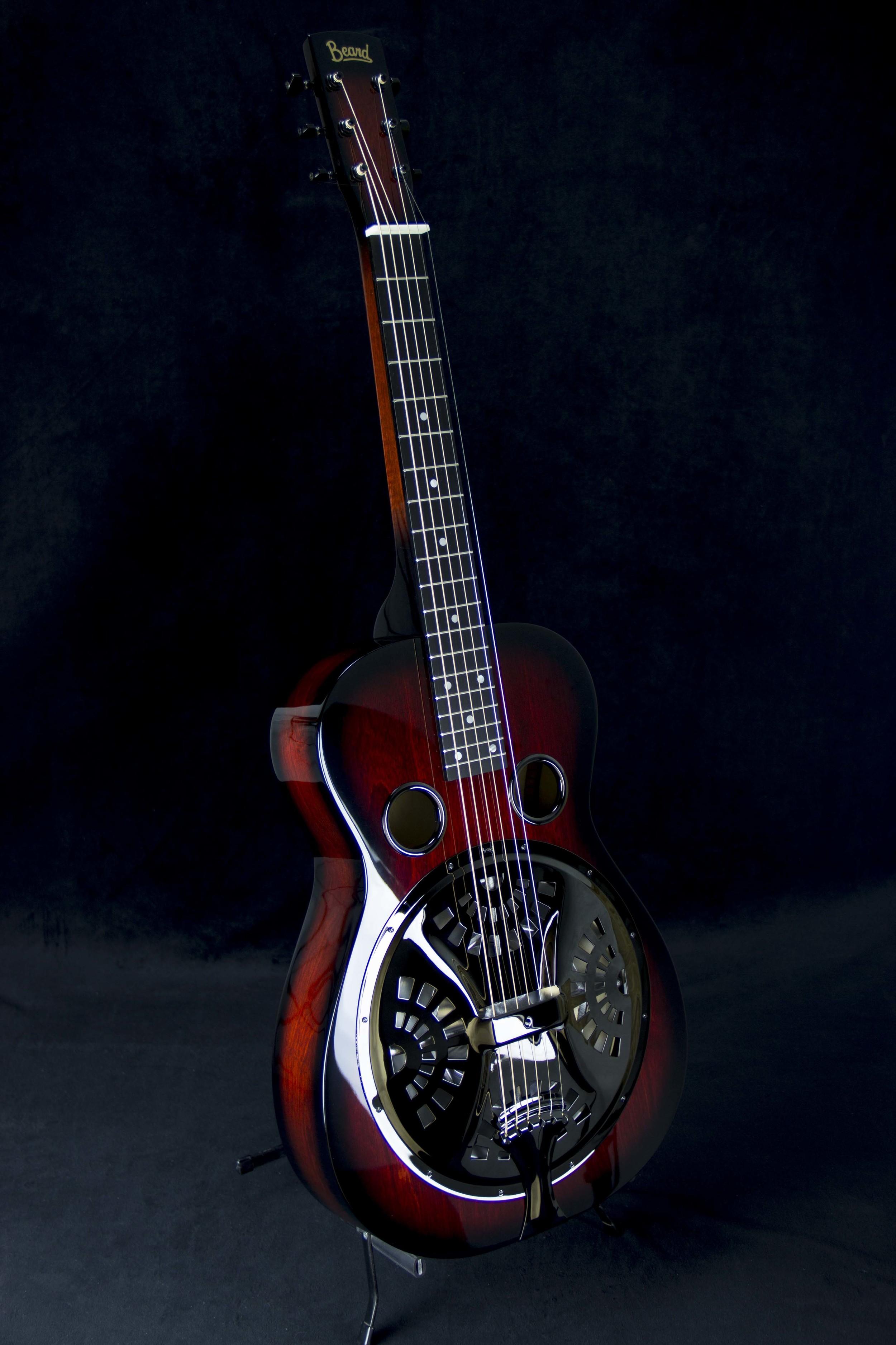 Vintage R Model-BIrch- Red Burst