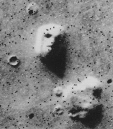Face on Mars 072576 Viking 1 .jpg