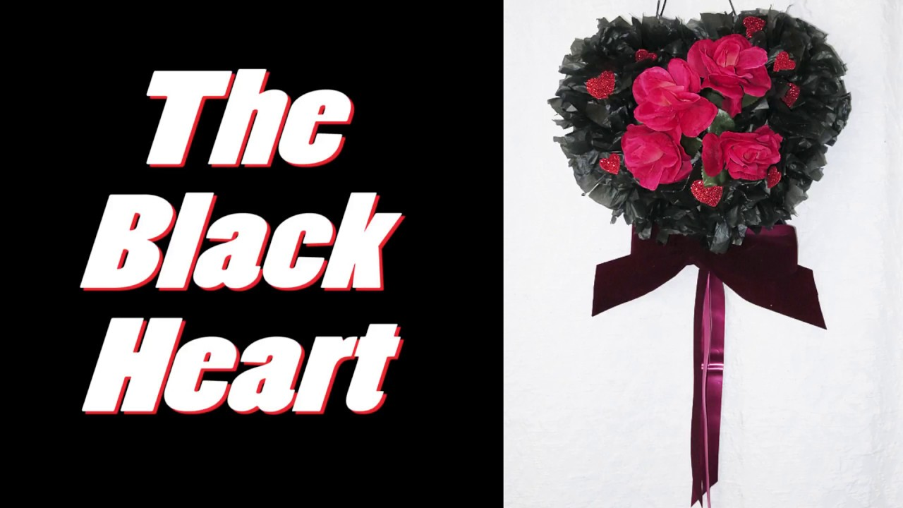 ❤Black Heart Wreath For the dramatic at heart. DIY this craft with dark red, black, burgundy colors.jpg