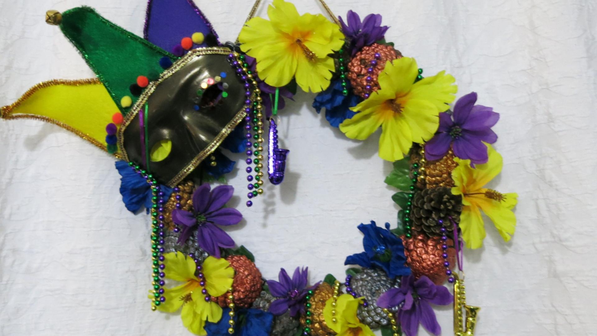 Mardi Gras Pine Cone Wreath for Fat Tuesday2.jpg