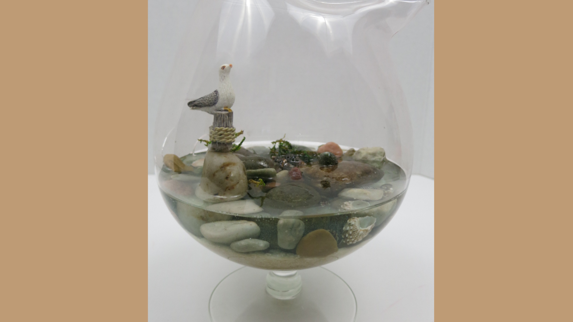 Resin Sea Shore Scene with Seagull, Sand and Shells.jpg