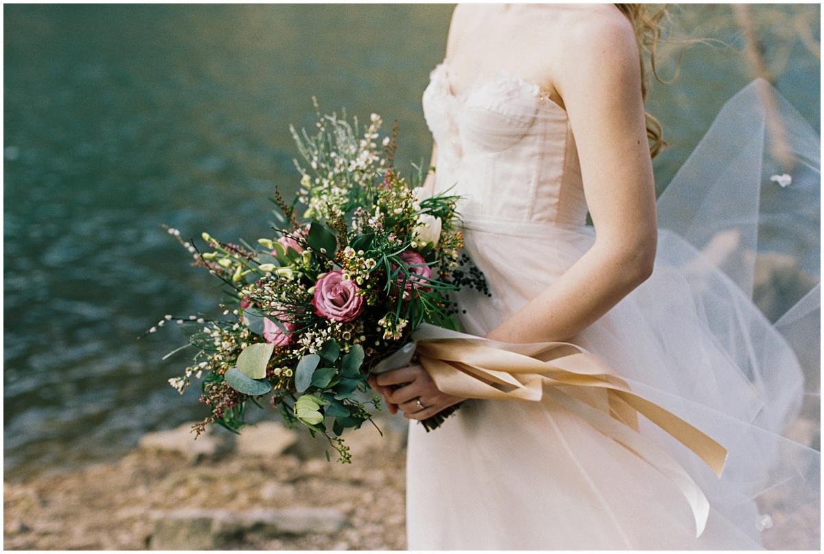 Abigail_Malone_Photography_Film_Photography_Portra_400_Knoxville_Wedding_Blush_Dress_Windy_Bridal_Portrait_12.jpg